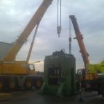JOST Veszprém 70 tonnás présgép kitelepítése csarnokból, és trailerre daruzása (9)