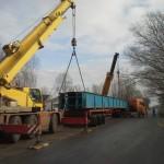 CELLDÖMÖLK vasúti híd trailerről vagonra daruzása (6)