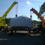 Ajkai Elektronikai Kft. 65 tonnás présgép levétele trailerről, csarnokba telepítése (5)